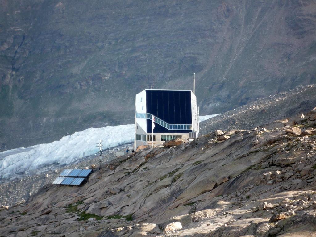 Read more about the article Rifugio sul Monte Rosa